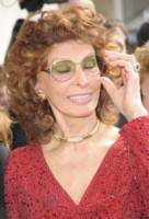 Sophia Loren - Parigi - 08-07-2014 - Parigi haute couture: Sophia Loren al defile Armani