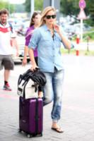 Bar Refaeli - Berlino - 09-07-2014 - Dalle vacanze riportano una valigia carica carica di...