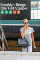 Karlie Kloss - New York - 14-07-2014 - Dalle stelle…ai cunicoli ferroviari della metro