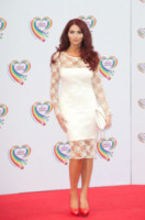 Amy Childs - Londra - 02-06-2014 - Non solo LBD: oggi il tubino è anche bianco!