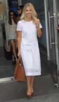 Mollie King - Londra - 26-06-2014 - Non solo LBD: oggi il tubino è anche bianco!