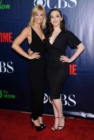 Beth Behrs, Kat Dennings - West Hollywood - 17-07-2014 - Jennifer Love Hewitt è la sorpresa del nuovo palinsesto CBS
