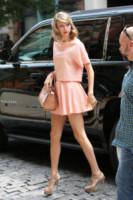 Taylor Swift - New York - 18-07-2014 - Lo streetstyle è più malizioso con una minigonna