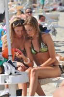 Irene cioni se la spassa con il pi bello d 39 italia foto - Bagno paparazzi milano marittima ...
