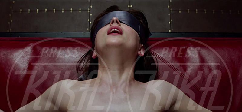 Dakota Johnson - 24-07-2014 - Sesso, soldi, sadomaso: ecco il trailer di Fifty Shades of Grey