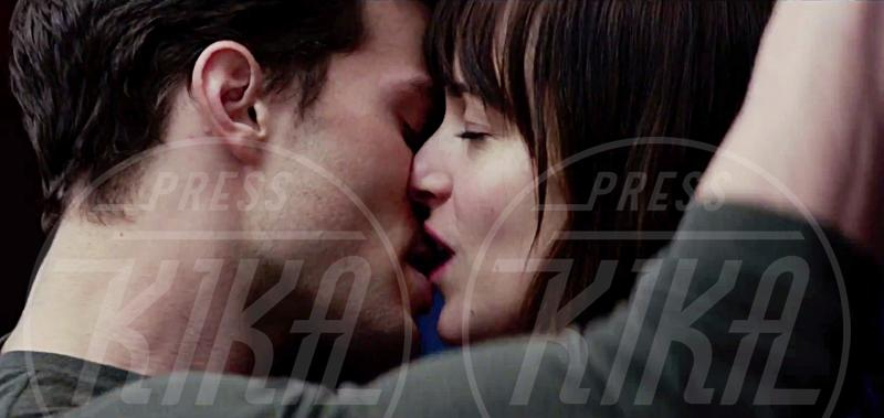 Jamie Dornan, Dakota Johnson - 24-07-2014 -  50 Sfumature di Nero, Dornan e Johnson fanno sognare i fan