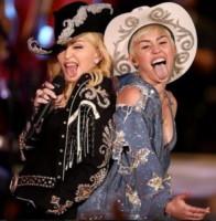 Miley Cyrus, Madonna - Los Angeles - 29-01-2014 - Madonna: da 56 anni l'arte della provocazione