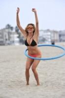 Estella Warren - Los Angeles - 12-08-2014 - La forma preferita di Estella Warren? Il cerchio!
