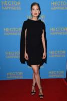 Rosamund Pike - Londra - 13-08-2014 - Rosamund Pike, un'eleganza da Oscar. Guarda che stile!