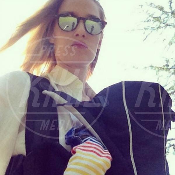 Eva Riccobono - Los Angeles - 14-08-2014 - Lo scatto di Eva Riccobono che allatta finisce sui social