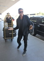 Pierce Brosnan - Los Angeles - 18-08-2014 - Dalle vacanze riportano una valigia carica carica di...