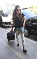 Alessandra Ambrosio - Los Angeles - 18-08-2014 - Dalle vacanze riportano una valigia carica carica di...
