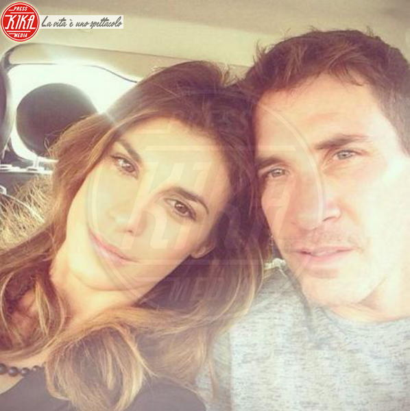 Brian Perri, Elisabetta Canalis - Los Angeles - 18-08-2014 - Selfie al volante: le vip si immortalano alla guida