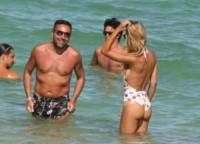 Laura Cremaschi - Miami - 20-08-2014 - Spaggia: l'alternativa al bikini. Costume intero o trikini?