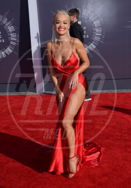 Rita Ora - Inglewood - 25-08-2014 - Natale 2014: ritorna il rosso, di sera e anche di giorno