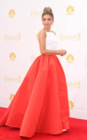 Sarah Highland - Los Angeles - 25-08-2014 - Emmy Awards 2014, sul red carpet sfilata di bomboniere