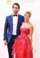 Ryan Sweeting, Kaley Cuoco - Los Angeles - 26-08-2014 - Emmy Awards 2014: la kermesse regala un red carpet extra lusso