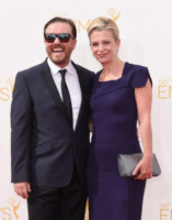Jane Fallon, Ricky Gervais - Los Angeles - 26-08-2014 - Emmy Awards 2014: la kermesse regala un red carpet extra lusso