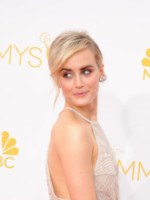 Taylor Schilling - Los Angeles - 26-08-2014 - Emmy Awards 2014: la kermesse regala un red carpet extra lusso