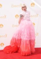 Lena Dunham - Los Angeles - 25-08-2014 - Emmy Awards 2014:lo strascico, il classico che non tradisce mai