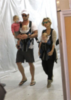 Chris Hemsworth, Elsa Pataky - Los Angeles - 25-08-2014 - Chris Hemsworth ed Elsa Pataky vendono casa