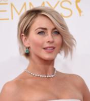 Julianne Hough - Los Angeles - 25-08-2014 - Emmy Awards 2014: la kermesse regala un red carpet extra lusso