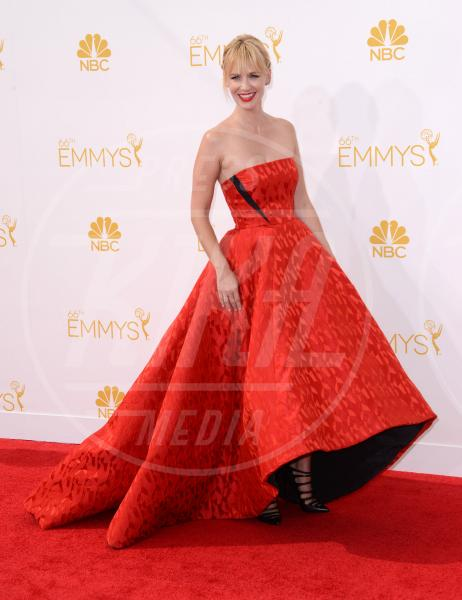 January Jones - Los Angeles - 26-08-2014 - Emmy Awards 2014, sul red carpet sfilata di bomboniere