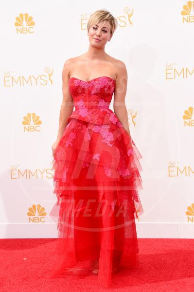 Kaley Cuoco - Los Angeles - 25-08-2014 - Emmy Awards 2014, sul red carpet sfilata di bomboniere