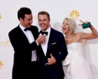 Derek Hough, Julianne Hough, Jimmy Fallon - Los Angeles - 25-08-2014 - Emmy Awards 2014: la kermesse regala un red carpet extra lusso