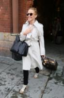 Saint Laurent handbag, Kylie Minogue - Londra - 29-05-2014 - La primavera è alle porte: è tempo di trench!