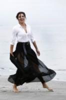 Luisa Ranieri - Venezia - 26-08-2014 - Camicia bianca e gonna nera: un look… evergreen!