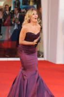 Barbara D'Urso - Lido di Venezia - 27-08-2014 - Festival di Venezia: rosa & viola, il red carpet romantico