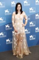 Zhao Wei - Venezia - 28-08-2014 - Per essere chic, basta un velo di cipria… indosso!