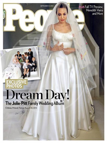 Angelina Jolie - Los Angeles - 02-09-2014 - Amal e George: Hello! e People svelano l'abito della sposa