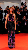 Charlotte Gainsbourg - Venice - 31-08-2014 - Top Crop & company: pancini al vento sul red carpet