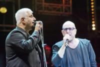 Pino Daniele, Mario Biondi - Verona - 01-09-2014 - Verona: Pino Daniele ripropone con gli amici Nero a metà