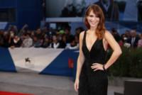 Isabella Ragonese - Venezia - 02-09-2014 - La Ragonese incontra il piccione che riflette sull'esistenza