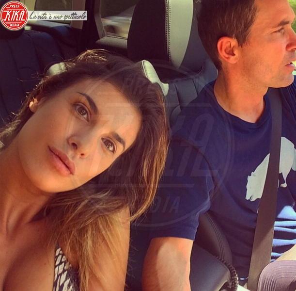 Brian Perri, Elisabetta Canalis - Los Angeles - 03-09-2014 - Selfie al volante: le vip si immortalano alla guida
