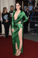 Jessie J - Londra - 02-09-2014 - Da Evangeline a Irina, sul red carpet lo spacco... spacca!