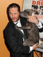Tom Hardy - New York - 09-09-2014 - Star come noi: la vita non è la stessa senza un cane