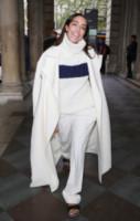 Amber Le Bon - Londra - 12-09-2014 - En pendant con l'inverno con un cappotto bianco