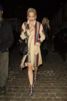 Ricky Hilfiger, Rita Ora - Londra - 11-09-2014 - Basta tinta unita! Colora l'inverno con un cappotto fantasia!