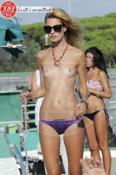 Sveva Alviti - Ostia - 15-09-2014 - Zoe Kravitz: lo vedete bene il seno?
