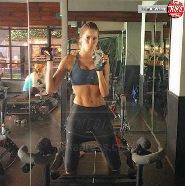 Aida Yespica - C'è sempre tempo per mettersi in forma, fate come le star!