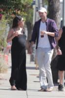 Mila Kunis, Ashton Kutcher - Los Angeles - 17-09-2014 - Mila Kunis e Ashton Kutcher, per Wyatt battesimo alla Kabbalah