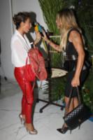 Guendalina, Rosy Dilettuso - Milano - 17-09-2014 - Guendalina Canessa: c'è del feeling con il pappagallo