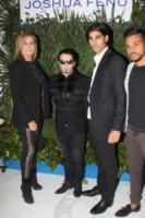 Marco Cuculo, Joshua Fenu, Lory Del Santo - Milano - 17-09-2014 - Guendalina Canessa: c'è del feeling con il pappagallo