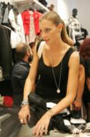 Tara Gabrieletto - Casoria - 18-09-2014 - Il bagno di folla di Cristian e Tara di Uomini e Donne