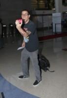Steve-O - Los Angeles - 18-09-2014 - Dalle vacanze riportano una valigia carica carica di...