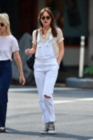 Dakota Johnson - New York - 18-09-2014 - La salopette: dai cantieri ai salotti dello star system
